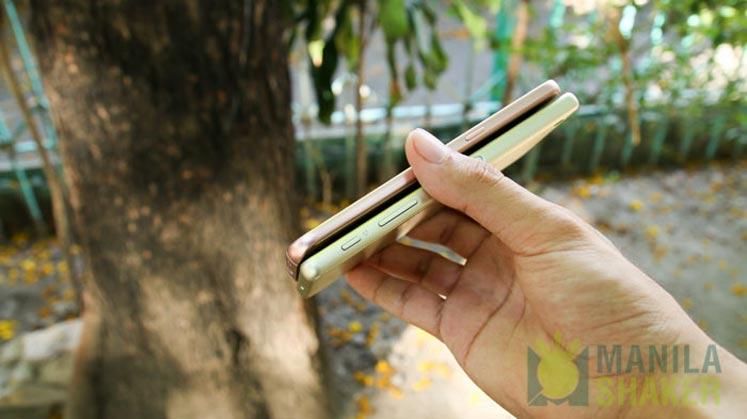 Sony Xperia X Performance Review vs Samsung Galaxy S7 Comparison 19