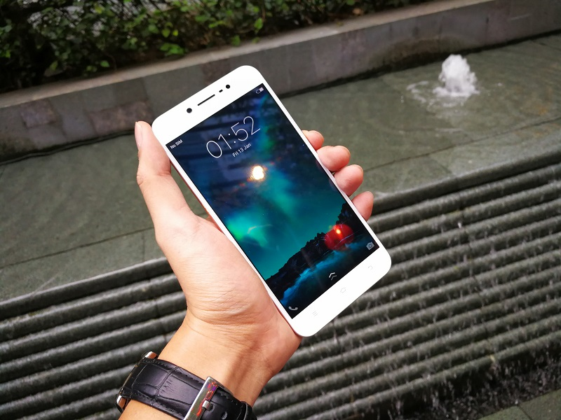 vivo-outs-most-affordable-perfect-selfie-phone
