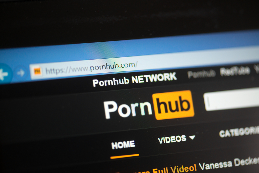 pornhub-is-preventing-coronavirus-spread-by-offering-free-premium-subscription