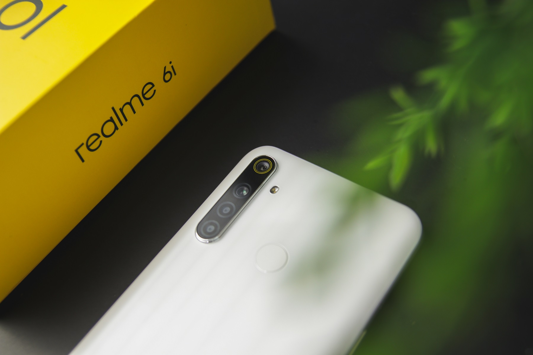why-you-should-and-shouldnt-buy-the-realme-6i